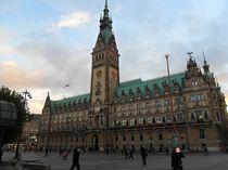 Das Rathaus der Freien und Hansestadt Hamburg von hamburgart