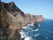 Küste aus Vulkanitgestein von kaya-1