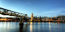London Panorama zur blauen Stunde by Robert Schulz