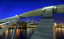 London Skyline Millenium Bridge von Robert Schulz