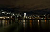 Spooky! London Panorama bei Nacht von Robert Schulz