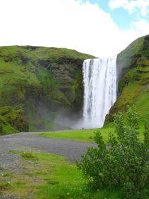 Wasserfall Skogafoss in Island von mellieha