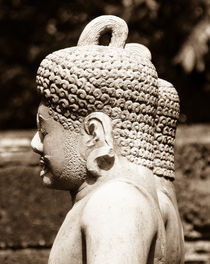 Angkor Statue by littlepeak