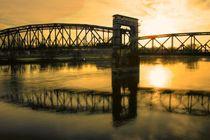 Hubbrücke in Magdeburg über die Elbe by magdeburgerin