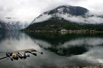 Norwegen - tiefe Wolken im Fjord von magdeburgerin