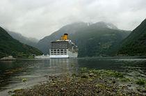 Norwegen - Kreuzfahrschiff im Geirangerfjord von magdeburgerin