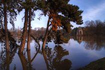 Idylle am blauen See im Winter am Pavillon von magdeburgerin