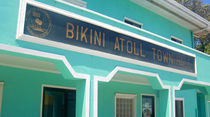 Marshall Islands - Bikini Atoll Town Hall von marcowand