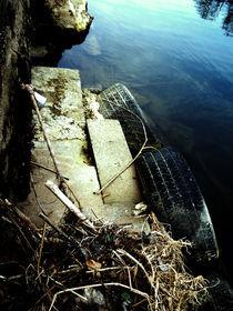 Autoreifen, Wasser, Vorhängeschloss by herrberlin