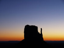 Monument Valley Sunset by buellom