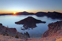 Crater Lake bei Sonnenaufgang von Rainer Grosskopf