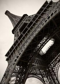 Tilted Eiffel by Stefan Nielsen
