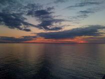 Sunset in the North von Jenna Wylie