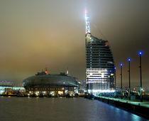 Bremerhaven Sail City bei Nacht #2 von Daniel Taphorn