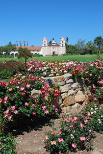 Mission Santa Barbara and flowers.  California, USA. von David Love