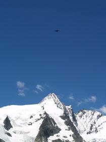 Grossglocker Austria, blue sky mountain von Sarah Clark