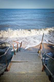 Steps into the Deep Blue Sea von Simon Bell