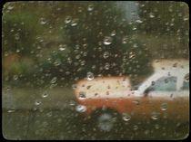 Auto im Regen by Herbert Hindringer