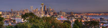 Seattle and Mt Rainier Panorama von tgigreeny