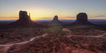 Monument Valley Sunrise von tgigreeny