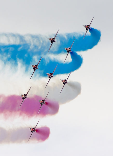 Red-arrows-at-farnborough