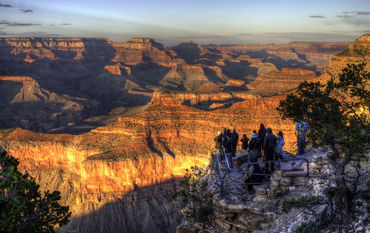 Watching-sunset-at-the-grand-canyon
