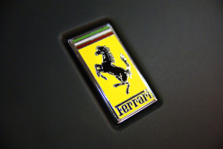 Ferrari-badge
