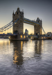 Tower Bridge von tgigreeny
