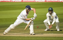 Jonathan Trott vs Pakistan by tgigreeny