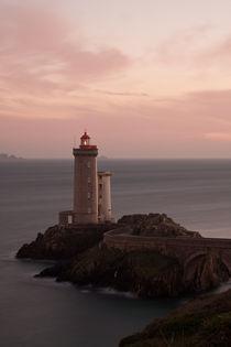 Leuchtturm im  Abendlicht by Julia Scho