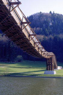 geschwungene Holzbrücke, Bayern, Deutschland  by Willy Matheisl