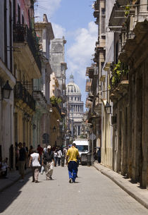 Havana Street and El Capitolio by tgigreeny