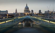 St Paul's and the Bridge von tgigreeny