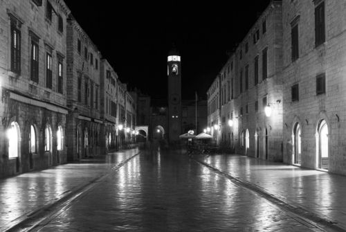 Dubrovnik-at-night-b-w