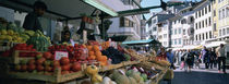 Group of people in a street market, Lake Garda, Italy von Panoramic Images