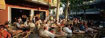 Tourists at a sidewalk cafe, Lignano Sabbiadoro, Italy von Panoramic Images