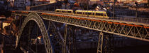Metro train on a bridge, Dom Luis I Bridge, Duoro River, Porto, Portugal von Panoramic Images