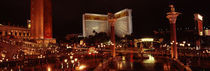 Hotel lit up at night, The Mirage, The Strip, Las Vegas, Nevada, USA von Panoramic Images