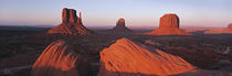 Panorama Print - Sonnenuntergang am Monument Valley Tribal Park, Utah, USA von Panoramic Images