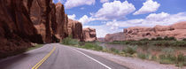 Highway along rock formations, Utah State Route 279, Utah, USA von Panoramic Images