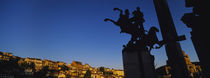 Silhouette of statues, Monument of the Assens, Veliko Turnovo, Bulgaria von Panoramic Images
