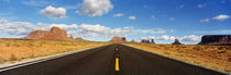 Road, Monument Valley, Arizona, USA von Panoramic Images