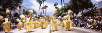 People watching a parade, State Street, Santa Barbara, California, USA von Panoramic Images