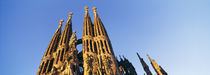 Low angle view of a church, Sagrada Familia, Barcelona, Spain von Panoramic Images