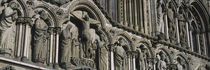 Low angle view of statues carved on wall of a cathedral, Trondheim, Norway von Panoramic Images
