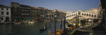 Bridge across a canal, Rialto Bridge, Grand Canal, Venice, Veneto, Italy von Panoramic Images