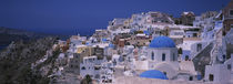 High angle view of a town, Oia, Santorini, Greece von Panoramic Images