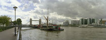 River viewed from the Cherry Garden Pier, Thames River, London, England von Panoramic Images