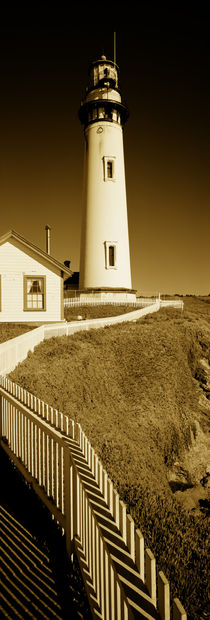 Lighthouse on a cliff, Pigeon Point Lighthouse, California, USA von Panoramic Images