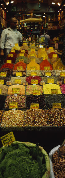 Two vendors standing in a spice store, Istanbul, Turkey von Panoramic Images
